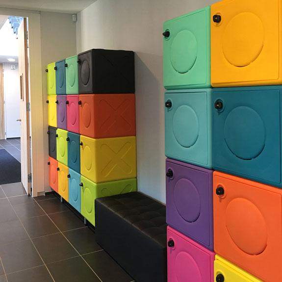 Casier OonCub® dans un Hall d'accueil